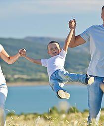 """#CARTA PARA EL #DIADELPADRE http://www.palabrasalacarta.com/#!cartas-variadas/c124i """"...Todo lo que soy es gracias a ti, papá. Me regalaste una familia, un sueño, y toda la magia que el mundo tenía para ofrecerme a través de ti."""" www.palabrasalacarta.com"""