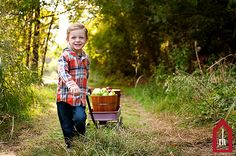 Child Photography | Fall | Apples | Copyright Jonna Nixon/Red House Photography 2013