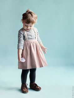 Twist Dress pale pink - Je suis en CP - Via My Little Square Toddler Fashion, Kids Fashion, Vogue, Stylish Kids, Little Girl Dresses, My Baby Girl, Kids Wear, Look Fashion, Cute Kids