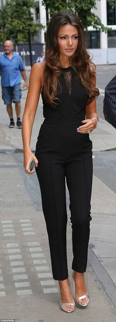 46 trendy ideas for how to wear black jeans spring street styles 46 idee di tendenza su come indossare jeans neri street style primaverili Long Jumpsuits, Womens Jumpsuits, Playsuits, Mode Outfits, Office Outfits, Office Shoes, Office Wear, Work Fashion, Fashion Women