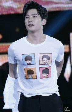 Yang Yang Actor, Actors, Concert, Mens Tops, T Shirt, Events, Party, Fashion, Supreme T Shirt