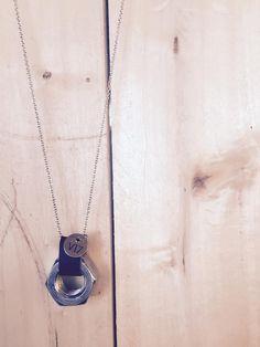 Collana V17 La Minuteria #jewels #gioielli #collana#necklaces#bigiotteria #rondelle #minuteria #pelle #leather #blue #v17laminuteria #V17 #handmade #bracciale #fattoamano #jewel #il17anoiportabene