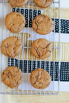 Ginger Molasses Cookies / blog.jchongstudio.com