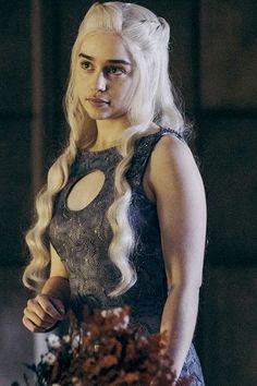 47 Trendy Emilia Clarke Games Of Thrones Dragons Posts Emilia Clarke Daenerys Targaryen, Game Of Throne Daenerys, Game Of Thrones Costumes, Game Costumes, Deanerys Targaryen, Clarke Game Of Thrones, Game Of Trone, The Mother Of Dragons, Costumes