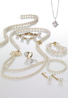 Nothing says classic and timeless beauty quite like #Pearls. We have a wonderful range of Pearl #Jewellery to add that extra touch of class to your evening!