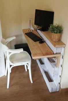 Schreibtisch Aus Europalette Und Holzbretter Gebaut