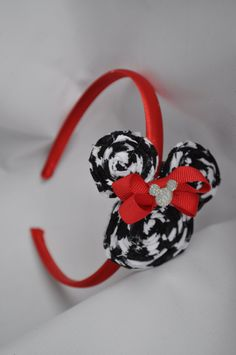Minnie Mouse headband by KARMELLA4200 on Etsy, $12.00