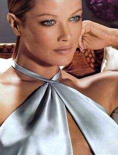 80s-90s-supermodels:    Estee Lauder adModel: Carolyn Murphy