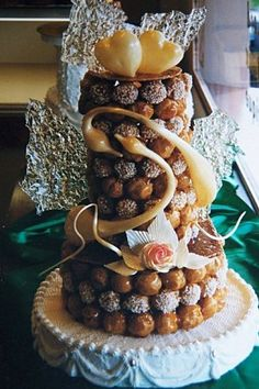Wedding Cake alternative idea: Croquembouche. It's what the French do. #wedding #bridal #cakes