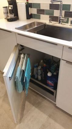 10 Awesome Diy Kitchen Hacks For Maximum Storage 1 2019 New Kitchen Storage Ideas The post 10 Awesome Diy Kitchen Hacks For Maximum Storage 1 2019 appeared first on Storage ideas. Kitchen Room Design, Home Decor Kitchen, Interior Design Kitchen, New Kitchen, Home Kitchens, Kitchen Hacks, Smart Kitchen, Kitchen Pantry, Kitchen Dishes