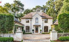 Seven on Sunday - The Enchanted Home Courtyard Entry, Enchanted Home, Spanish Revival, Front Entrances, Facade House, French Decor, Garden Spaces, Beach Cottages, Curb Appeal