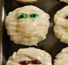 Fun Mummy #Cupcakes for #Halloween. Click For Recipe