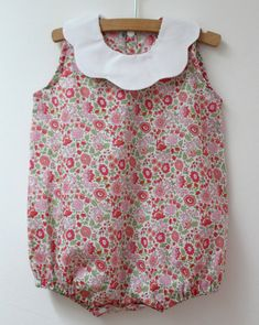 Nouvelle page Coin Couture, Baby Couture, Sewing Kids Clothes, Baby Sewing, Baby Girl Patterns, Love Clothing, Little Girl Dresses, Baby Dress, Kids Outfits