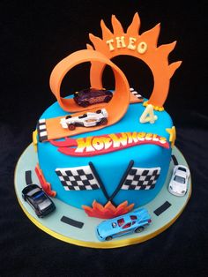 Hot wheels cake - Cake by Helen birthday cake boys) Hot Wheels Party, Bolo Hot Wheels, Hot Wheels Cake, Hot Wheels Birthday, Car Wheels, Anniversaire Hotwheels, Hot Wheels Kuchen, Wheel Cake, Cars Birthday Parties