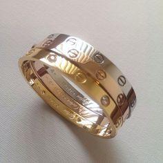 Cartier labeled love bracelet Heavy, Good quality No Gem Womens Mens Cartier Love Ring, Cartier Bracelet, Cartier Jewelry, Gold Bangle Bracelet, Jewellery Uk, Love Bracelets, Gold Bangles, Gold Jewelry, Fashion Jewelry