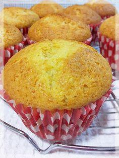 Decake: PASO A PASO CUPCAKES SIN AZUCAR Diabetic Desserts, Diabetic Recipes, Baby Food Recipes, Sugar Free Recipes, Sin Gluten, Stevia, Deli, Cupcake Cakes, Food To Make