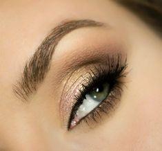 Dziś propozycja makijażu w stylu Kim Kardashian czyli makijaż w brązach i złocie. Nie jest to oczywiście jakaś wierna kopia, natomiast sta...