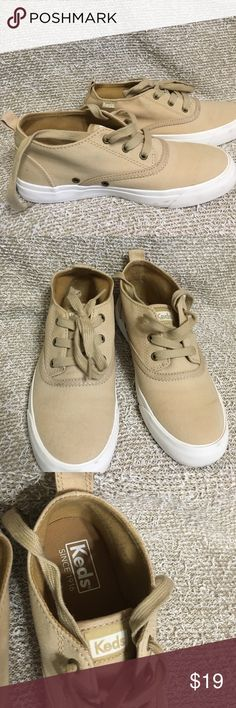 Tennis Worn once. Clean and good condition worn for only one day Keds Shoes Sneakers