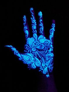 Black light tattoos are great because you can't always see them until you put them under a black light. Check out our gallery of black light tattoos. Tatoo Art, Uv Tattoo, Dark Tattoo, Inked Magazine, Palm Tattoos, Body Art Tattoos, Ink Tattoos, Maquillage Phosphorescent, Tinta Neon