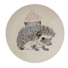 Découvrez la gamme Mini destinée aux enfants de Bloomingville, des articles de vaisselle et de décoration poétiques et pleins de tendresse