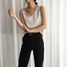 Very Light and Fresh Look. The Best of fashion in Casual Summer Fashion Style. Very Light and Fresh Look. Fashion Mode, Work Fashion, Trendy Fashion, Korean Fashion, Womens Fashion, Trendy Style, Style Fashion, 90s Fashion, Fashion Beauty