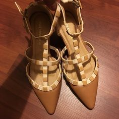 """Shoe Republic LA Strappy Flats Open for reasonable offer. The item you are about to purchase is a Shoe Republic Strappy Flats. Size 6. New without box. To make an offer, please use """"offer"""" button. Thank you!! Shoe Republic LA Shoes Flats & Loafers"""