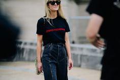 Jeanette Friis Madsen | Paris via Le 21ème Urban Chic Looks, Street Style, Ootd, Paris Street, Denim Fashion, Casual Looks, Catwalk, Mom Jeans, Cool Style