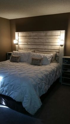 Diy Pallet Headboard Add Stain Cool Lights Bam An Amazing Looking Headboard My