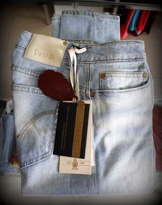 Jeans stretto colore chiaro