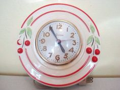 This clock is the cats pajamas! Beautifully painted ceramic, with cherries and stylized font. This is a true gem. It measures 8 and works beautifully. Vintage Love, Vintage Decor, Retro Vintage, Vintage Items, Vintage Clocks, Vintage Stuff, Kitsch, Pyrex, 1950 Diner