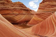 Earth Pics: The wave in Paria Canyon at the Arizona/Utah border Paria Canyon, Antelope Canyon, Places Around The World, Around The Worlds, Beautiful Nature Pictures, Different Points Of View, Beautiful Places To Travel, Amazing Pics, Awesome