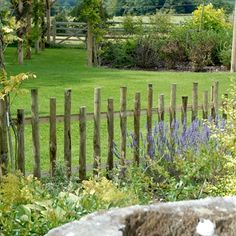 4 Industrious Tips AND Tricks: Small Concrete Fence rustic fence landscaping. Modern Fence Panels, Decorative Fence Panels, Garden Fence Panels, Front Yard Fence, Dog Fence, Garden Fencing, Small Fence, Country Fences, Rustic Fence