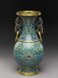 Vase with archaistic decoration, Qing Dynasty, 18th century (1701-1800 AD.