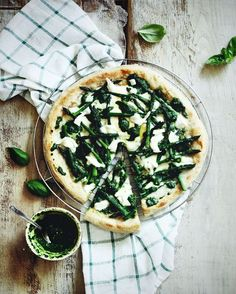 "I am a huge fan of asparagus and this pizza with creamy spinach/basil ""pesto"" asparagus and buffalo mozzarella is a real treat. #heresmyfood #beautifulcuisines #beautifulhealth #pizzatime #lifeandthyme #fragolalimone #eeeeeats #f52contest #f52grams #feedfeed @thefeedfeed #onthetable #onvtable #viqli #thekitchn #kitchenbowl #hautecuisines #vscofashionfood #foodvsco #lunchtime #dailyfoodfeed #foodstyling #ourplatesdaily #feedme #yahoofood #bareaders #morninglikethese #gatheringlikethese…"