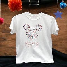 Vídeo: Camiseta con fuegos artificiales de Mickey