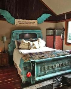 Truck bedroom - California king snake these little beauties are sometimes mistaken for coral snakes; Truck Bedroom, Home Bedroom, Baby Bedroom, Bedroom Sets, Bedroom Apartment, Kids Bedroom, Western Style, Western Bedroom Decor, Western Bedrooms