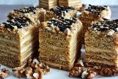 Torte Cake, Good Food, Dessert Recipes, Easter, Food And Drink, Cookies, Sweet, Holiday, Glass
