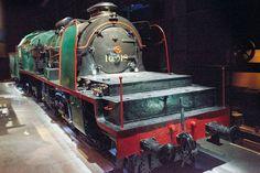 La face cachée de Train World ♣ Premier pays sur le continent européen à exploiter une ligne de chemin de fer (en 1835), la Belgique aura attendu l'automne 2015 pour avoir enfin son musée du train.