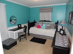 I Love Teal, Black, And White!