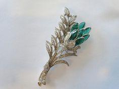 Vintage Crown Trifari Signed Green & Clear Rhinestone Fur Clip