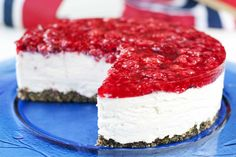 Klar for mai: marsipanmoussekake med bringebærlokk. Agar, Gelatin, Food Inspiration, Mousse, Cake Recipes, Fries, Raspberry, Dessert, Google Search
