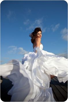I love this picture and how the dress moves...Gorgeous