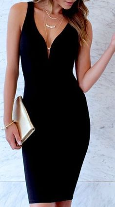This thick stretch knit dress has a fitted bodice with a deep V-neckline (and hidden V bar), plus a fitted midi length skirt for a look of style and elegance. Double straps on the back give this dress Pretty Dresses, Sexy Dresses, Beautiful Dresses, Evening Dresses, Short Dresses, Fitted Dresses, Elegant Dresses, Mode Glamour, Black Prom