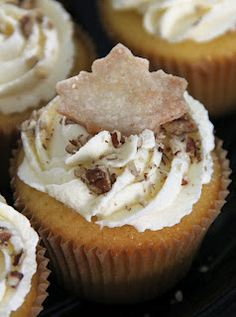 Pecan Pie Cupcakes. Butter pecan cupcakes filled with pecan pie filling and topped with vanilla pudding frosting and pie crust! Holy heck!