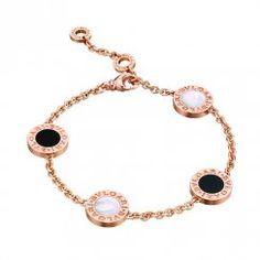 Bulgari Pink Gold Onyx & Mother of Pearl Four Disc Bracelet Jewelry Trends, Jewelry Accessories, Fashion Accessories, Bvlgari Rose Gold Ring, Bulgari Jewelry, Unicorn Nails, Digimon Adventure, Diamonds And Gold, Anastasia