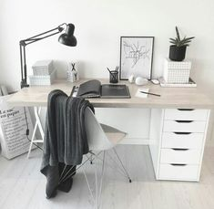 6 Cheap And Easy Unique Ideas: Minimalist Bedroom Diy Dreams minimalist living room decor scandinavian style.Minimalist Interior Decor Home Office. Minimalist Desk, Minimalist Bedroom, Minimalist Interior, Decor Scandinavian, Scandinavian Dining Table, Scandinavian Apartment, Simple Desk, Bedroom Desk, Bed Room