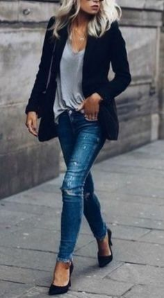 Black Blazer + Ripped Skinny Jeans cute outfits for girls 2017 Fashion Mode, Look Fashion, Autumn Fashion, Fashion Ideas, Chic Womens Fashion, Fashion Tips, High Class Fashion, Fashion Check, Jeans Fashion