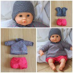 Voici des petits vêtements pour bébé Corolle (poupon de 30cm) faits maison ! Je suis partie de patrons pour vêtements de bébé (en 3... Girl Dolls, Barbie Dolls, Preemie Clothes, Couture Sewing, Couture Bb, Doll Costume, Sewing Dolls, Sewing For Kids, Baby Knitting