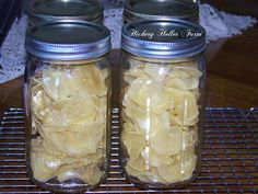 Hickery Holler Farm: Dehydrated Sliced Potatoes (not canning but definitely smart food preservation) Dehydrate Potatoes, Canning Potatoes, Sliced Potatoes, Storing Potatoes, Chicken Jerky Recipe, Canning Food Preservation, Preserving Food, How To Store Potatoes, Canned Food Storage