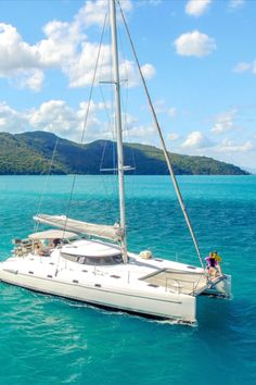 On Ice is a true offshore sailing vessel and offers a great combination of speed, comfort and adventure in the Whitsundays, creating the perfect atmosphere for a sailing trip! This tour is unique compared to other tours in the Whitsundays, boasting an all-inclusive tour with the latest water toys and water sports, making it a very popular choice for a variety of guests who come here to explore and see what the Whitsundays are all about. Sailing Whitsundays, The Whitsundays, Hamilton Island, Sailing Trips, Airlie Beach, Water Toys, Adventure Tours, Great Barrier Reef, Catamaran